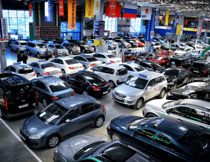 Нужно ли покупать автомобиль б/у в автосалоне