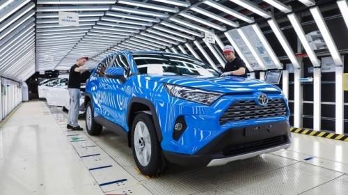 Петербургский завод Toyota ушел на летние каникулы