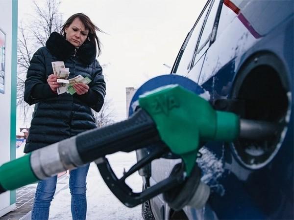 Топливные компании рассказали об условиях снижения цен на бензин.